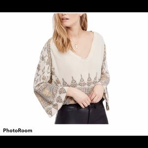 Free People boho bell sleeve top. Size XS